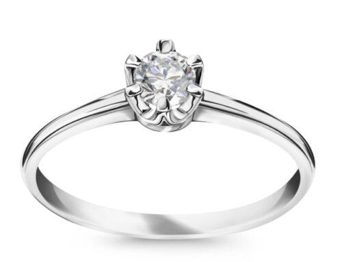 Moje dwa pierścionki zaręczynowe.
